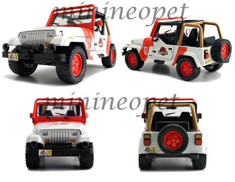 New Jada Toys 1 24th Scale Jurassic Park Jeep Wrangler