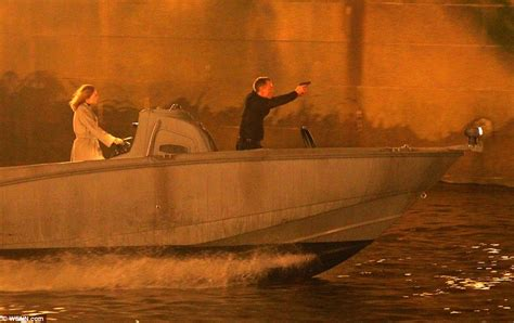 Thames River Cruise James Bond | james bond daniel craig films spectre chase on the river