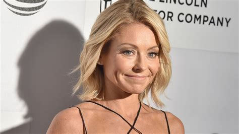 kelly ripa pictures and photos getty images kelly ripa reveals thanksgiving plans we don t know how