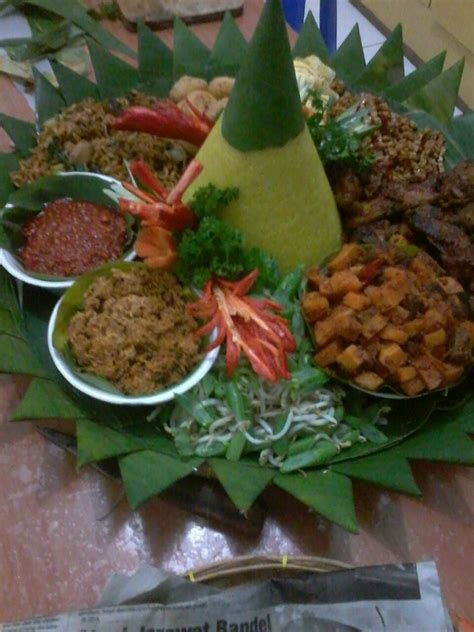 Fiforlif Murah Jakarta nasi tumpeng murah jakarta timur 085692092435 mikailla catering