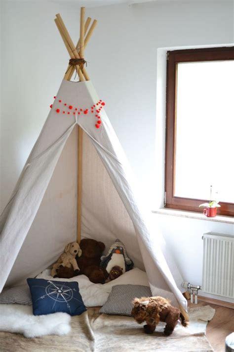 dinosaurier schlafzimmer accessoires des coins lecture avec un tipi pour le bonheur de vos