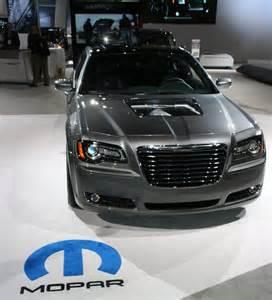 Chrysler 300 With Hemi It S A Detroit Thing Chrysler 300s 426 Hemi V8 Concept