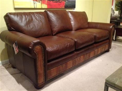 Clearance Leather Sofas For Sale Leather And More Hickory Nc Clearance Leather Furniture Leather Furniture Outlet