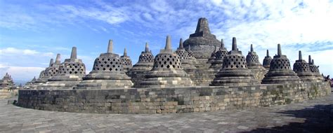 buro buddho borobudur temple in indonesia travelling moods