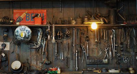 Werkstatt Lustig by Eine Lustige Zweirrad Werkstatt Foto Bild Industrie