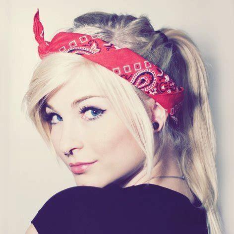 ways to wear bandanas on hair 5 chic ways to wear a bandana aelida