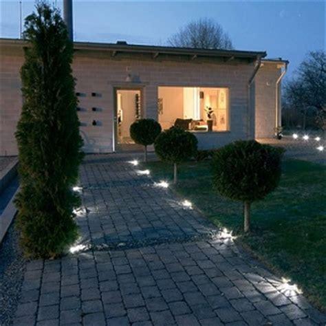 illuminazione viali illuminare il vialetto d ingresso e il giardino