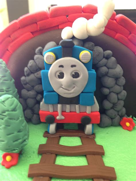thomas the train l thomas the train cakecentral com