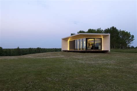 compact homes compact house addition transforms into guesthouse or shed modern house designs