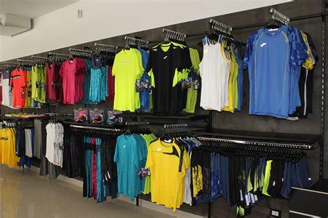 arredamento negozio sportivo arredamento negozio articoli sportivi arredo