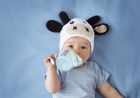 alimentazione bimbi 11 mesi latte vaccino a bimbi dopo i 12 mesi nuove linee