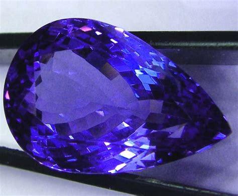 Ruby Safir Afrika Garnet gemstones from africa gem rock auctions