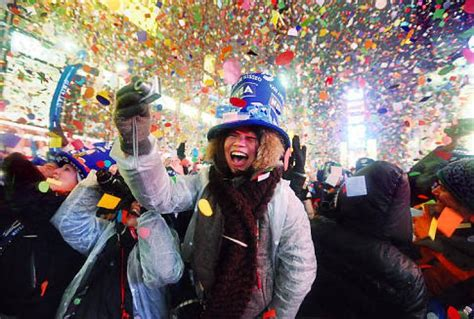 new year parade times thousands welcome 2010 in times square brave cold and