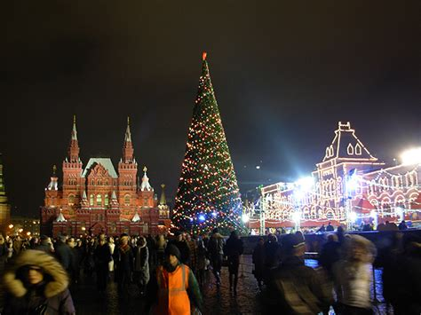 deck the holiday s chirstmas traditions in russia da