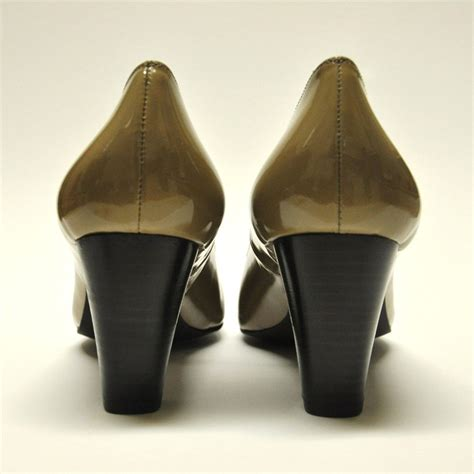 classic court shoe with patent leather cinderella shoes