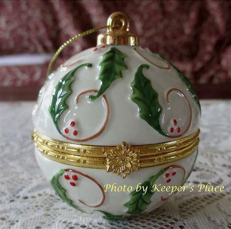 porcelain hinged ball ornament trinket treasure box ring