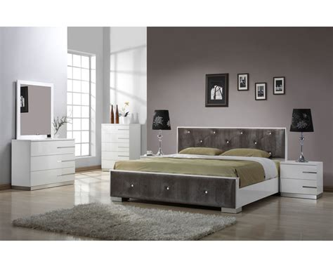 Mirrored Bedroom Furniture Sets » New Home Design
