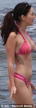 Beach Style Pictures Actress Megan Fox At The Beach In Hawaii