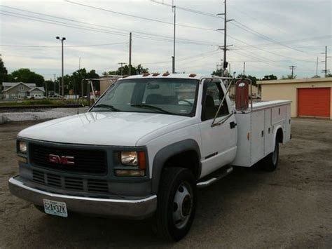 sell used 1999 chevy gmc 3500 11ft utility box 6 5l diesel in macomb illinois united states