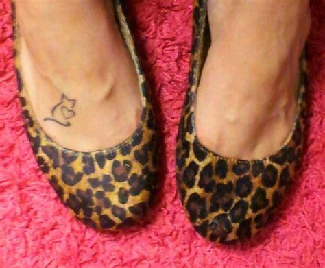 tattoo cat feet 1000 images about cat crazy stuff on pinterest cat