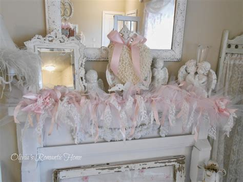 shabby chic market this is a shabby garland that i in with tulle lace and ribbons