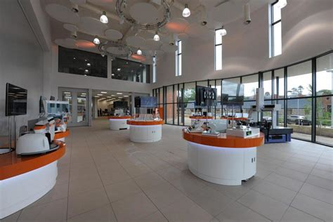 design manufacturing england renishaw and infosys team up to lower the additive