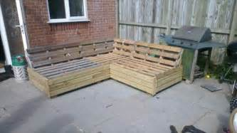 amazing patio sofa set built from pallets 101 pallets