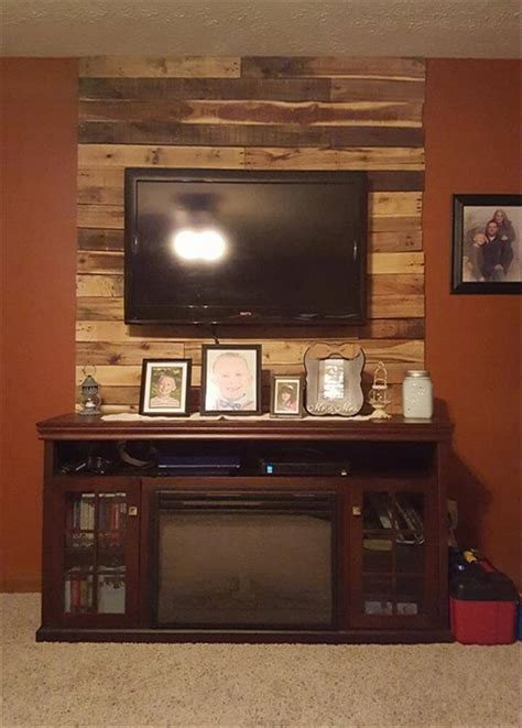 media wall 30 pallet ideas creative ways to recycle pallets page