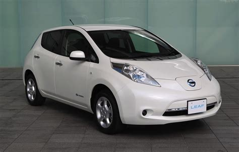 nissan range 2013 nissan leaf gets increased range lighter weight