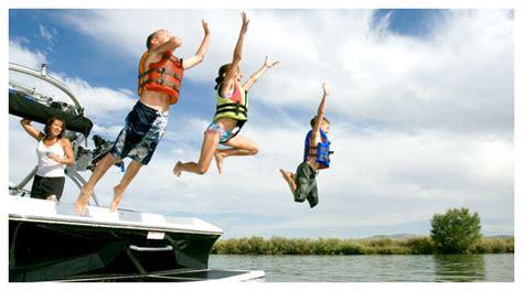 boat rentals nearby kick back cabin family cabin lake tenkiller cabin