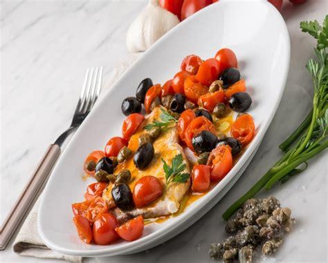 cucinare pesce in padella pesce spada in padella alla siciliana