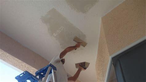 Painting Plasterboard Ceiling by Skim Coating Ceiling Repair With 20 Minute Mud