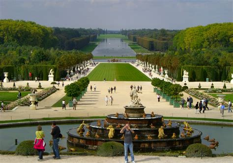Versaille Gardens by Dishin Some Dirt On Great Gardens Inside Nanabread S