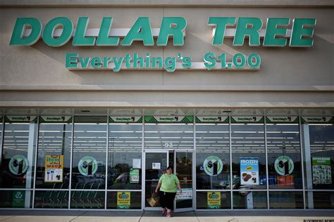 dollar tree s cramer don t sell dollar tree dltr walgreens wba