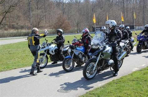 Adac Motorrad Fahrsicherheitstraining Inhalt by Motorrad Sicherheitstraining Beim Adac Winterpause Ad 233