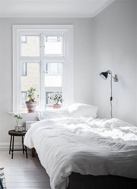 small white bedroom best 25 simple bedrooms ideas on pinterest simple
