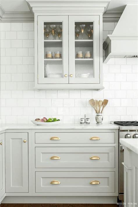 Bathroom Cabinet Hardware Ideas by Best 25 Kitchen Cabinet Hardware Ideas On