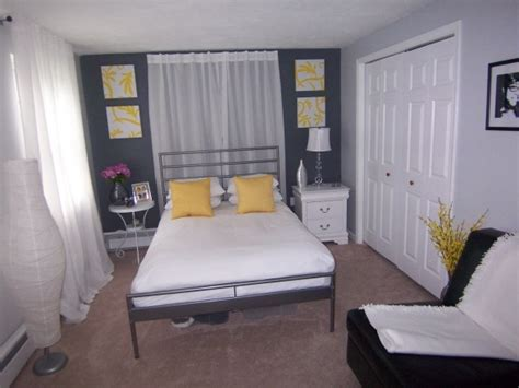 yellow and gray bedrooms 1000 ideas about gray yellow bedrooms on pinterest