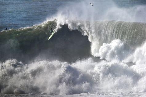wavestormthegrease com monster 50 foot waves hit northern california