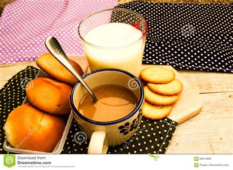 Pcd Bubuk Kopi Fibre Soft Brown breakfast with bread coffee and milk on table background stock photo image 69914668