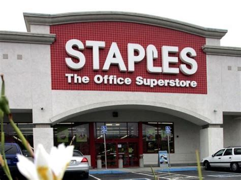 Office Supplies Chicago Staples Closing 70 Stores No Word On Illinois Locations