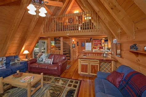 8 bedroom cabins in gatlinburg quot skiing with the bears quot 3 bedroom chalet village cabin rental