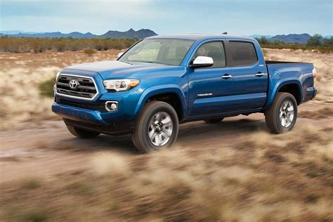 truck toyota 2016 mid size trucks are making a comeback but they re