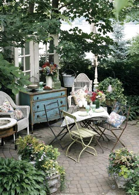 Creating An Outdoor Living Space | creating outdoor spaces for country living