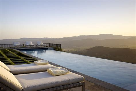 10 Infinity Pools That Will Make You Want To Swim
