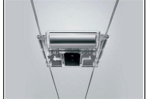 faretti illuminazione interna una illuminazione interna a faretti su binari in acciaio