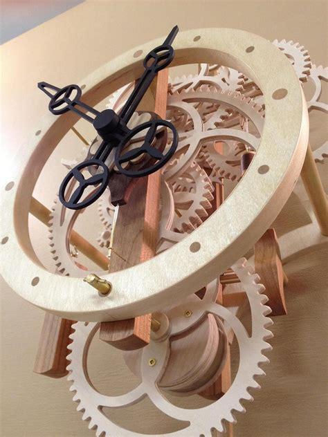remonter  wooden gear clock  remontoire