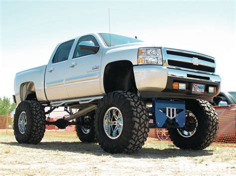 chevy lifted cool trucks on pinterest diesel trucks dodge rams and
