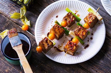 cucinare il tofu cucinare il tofu 5 ricette vegane di natale leitv