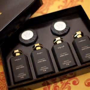 Hotel luxury collection palazzo versace bathroom amenities